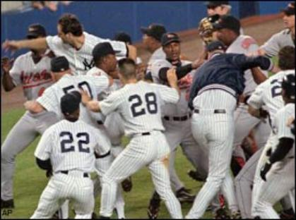 Bernie Williams said the '98 brawl banded the Yankees together