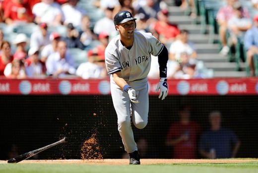 Derek Jeter hit his 20th potseason homer in game three