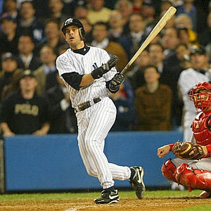 10-16-03 Yankees Aaron Boone on his way to9 HP after solo homer yankees victory